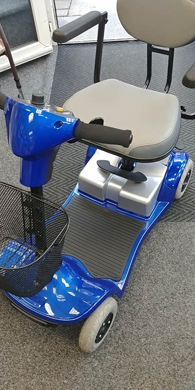 Bootscooter Blue