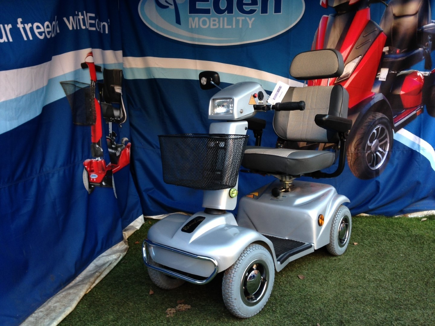 Electric Mobility Rascal In Silver 6mph