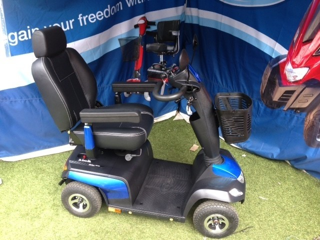 Invacare Orion Blue Large)