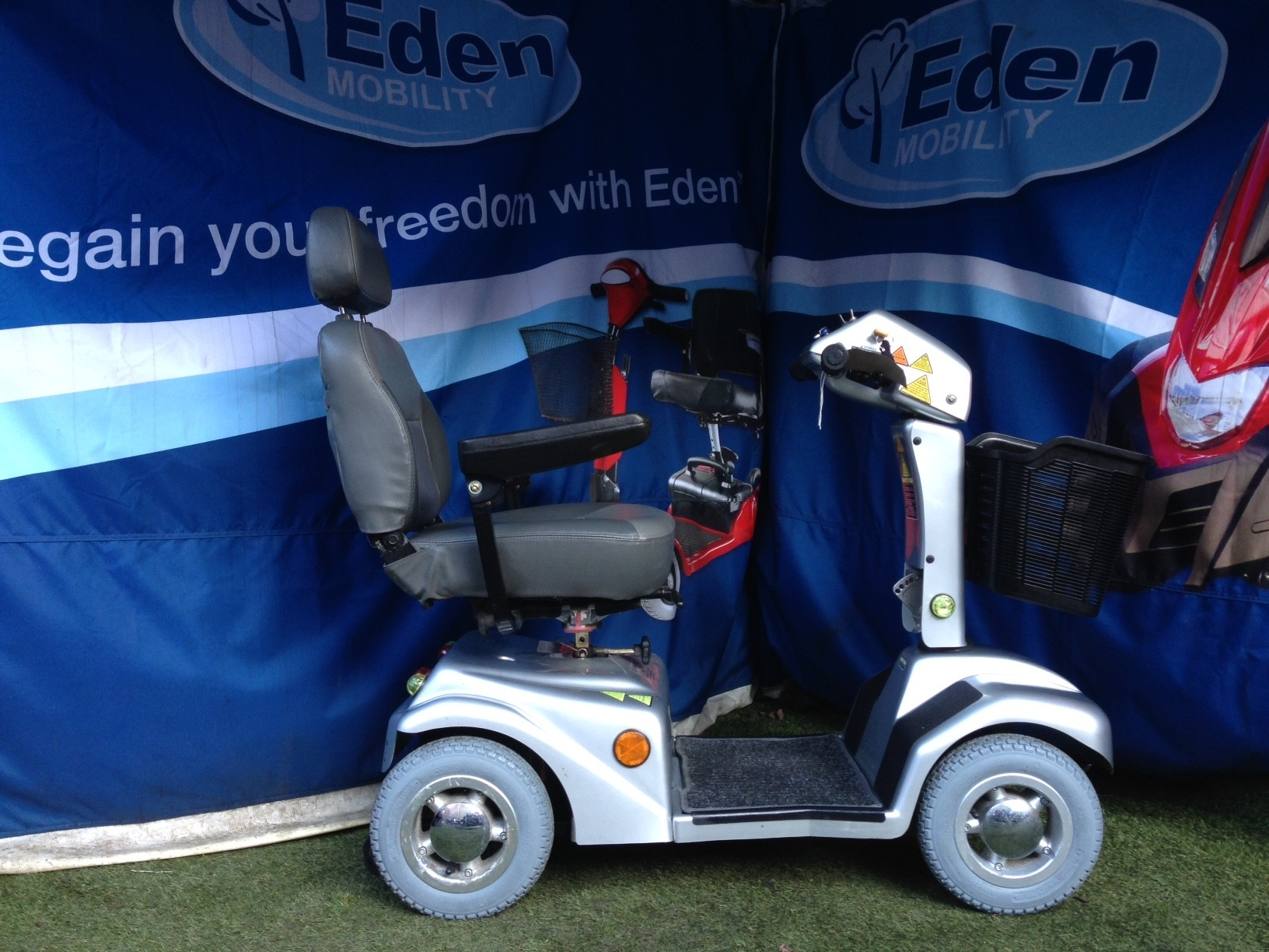 Electric Mobility Rascal Sliver 6mph