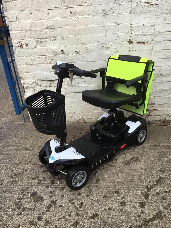 Style Plus White Scooter