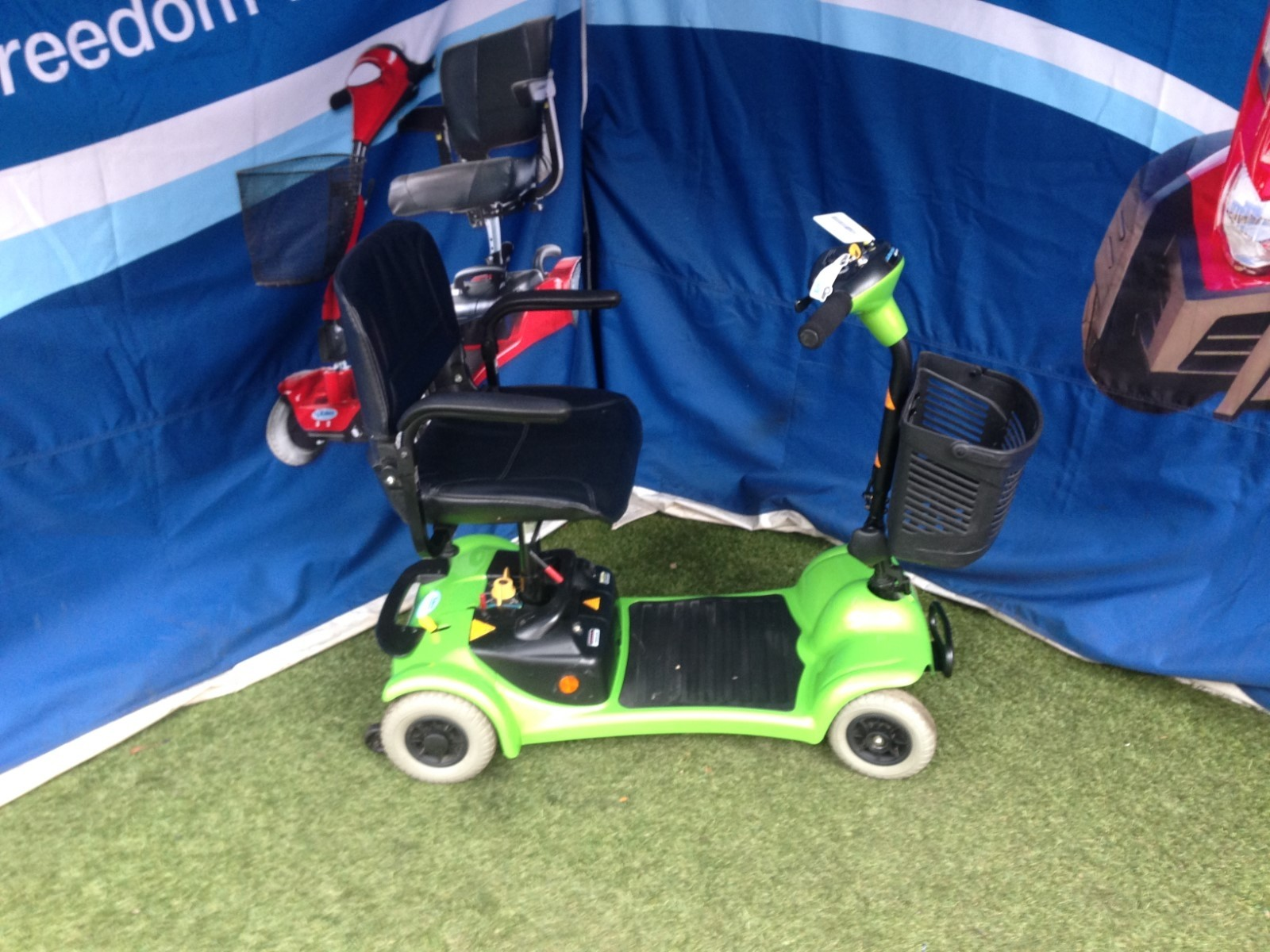 Electric Mobility Rascal 480 Green