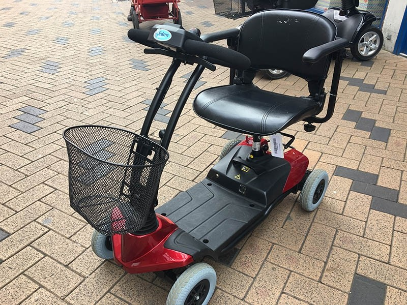Bootscooter Red